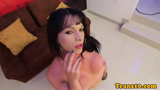 Solo latina ts toying her ass while tugging
