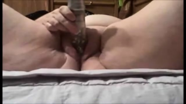 Giant Amateur BBW Masturbating