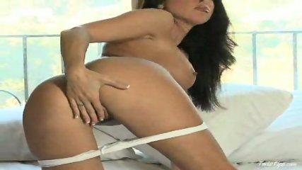 Jessica DiFeo Strips And Masturbates