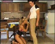 2 couples dans la cuisine - scene 1