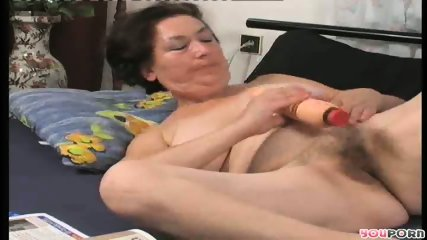 Horny housewife humps the gardener 3/6 - scene 5