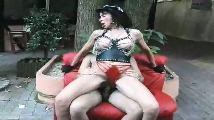 Horny mature does a twofer - scene 10