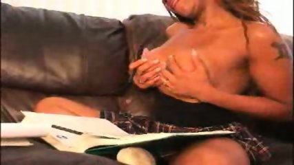 Vanessa Bue serving with Blowjob - scene 6