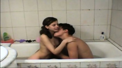 Vanna - Amateur Teen gets fucked in tha bathtub - scene 1