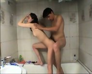 Vanna - Amateur Teen gets fucked in tha bathtub - scene 5