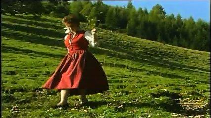 Heidi - Teil 1 - Auf der Heidi gibts koa Sund - scene 1