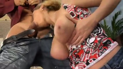 Amateur Mom with Huge Boobs gets Fucked Hard - scene 3